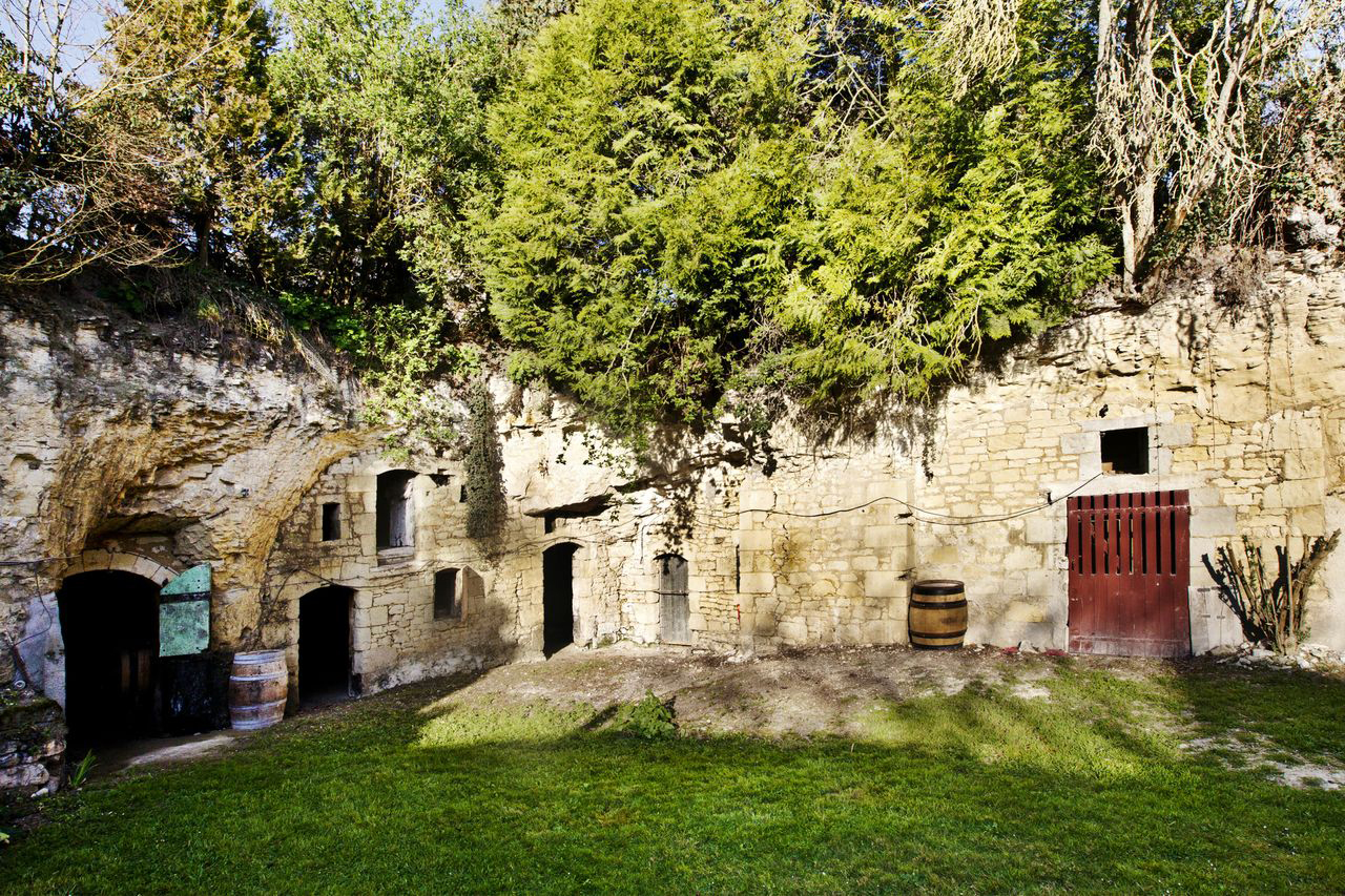 The winery at Clau de Nell, and the entrance to its troglodyte wine caves. ©Wilson Daniels.