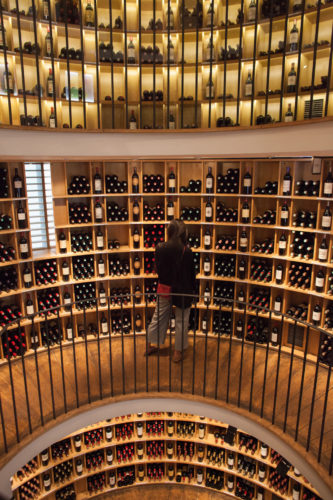L'Intendant wine shop, Bordeaux, France. ©Kevin Day / Opening a Bottle