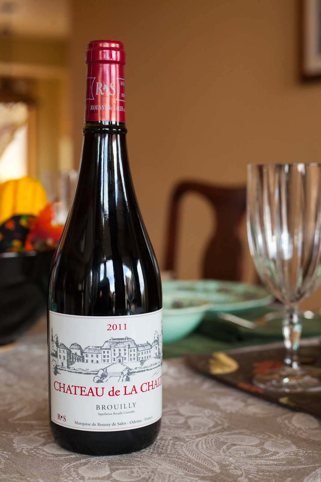 The best wines of 2014 wine buyer 39 s guide opening a bottle for Brouilly chateau de la chaise