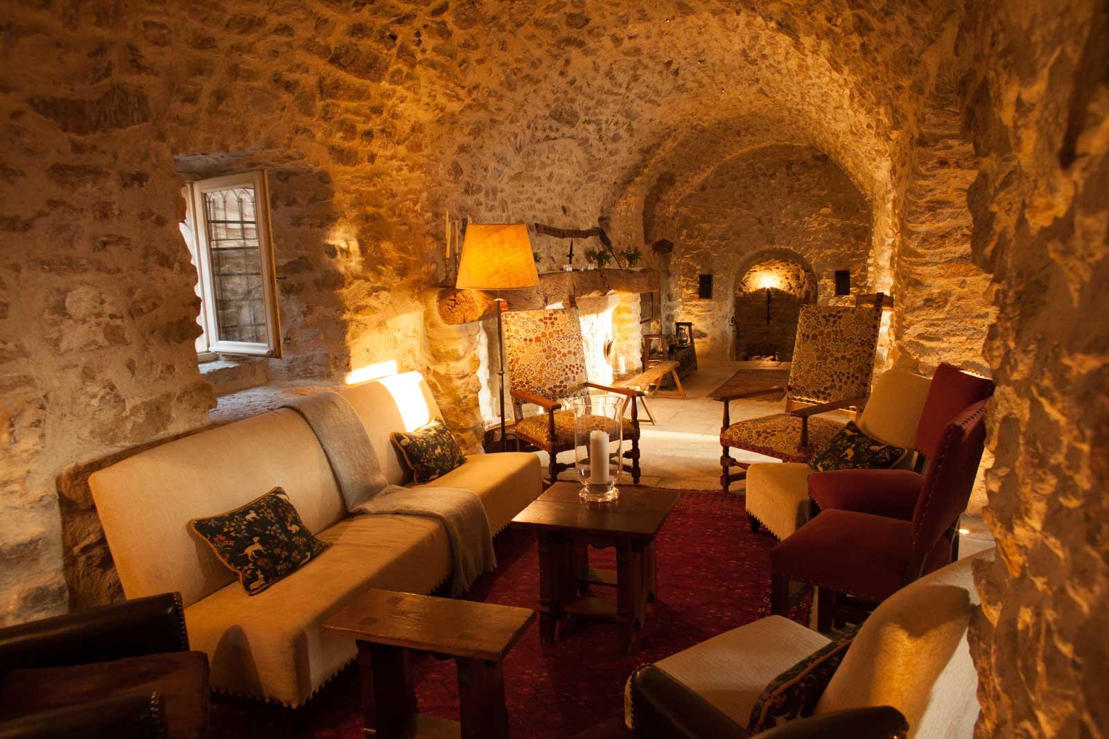 The lounge area inside La Verrière. ©Kevin Day / Opening a Bottle