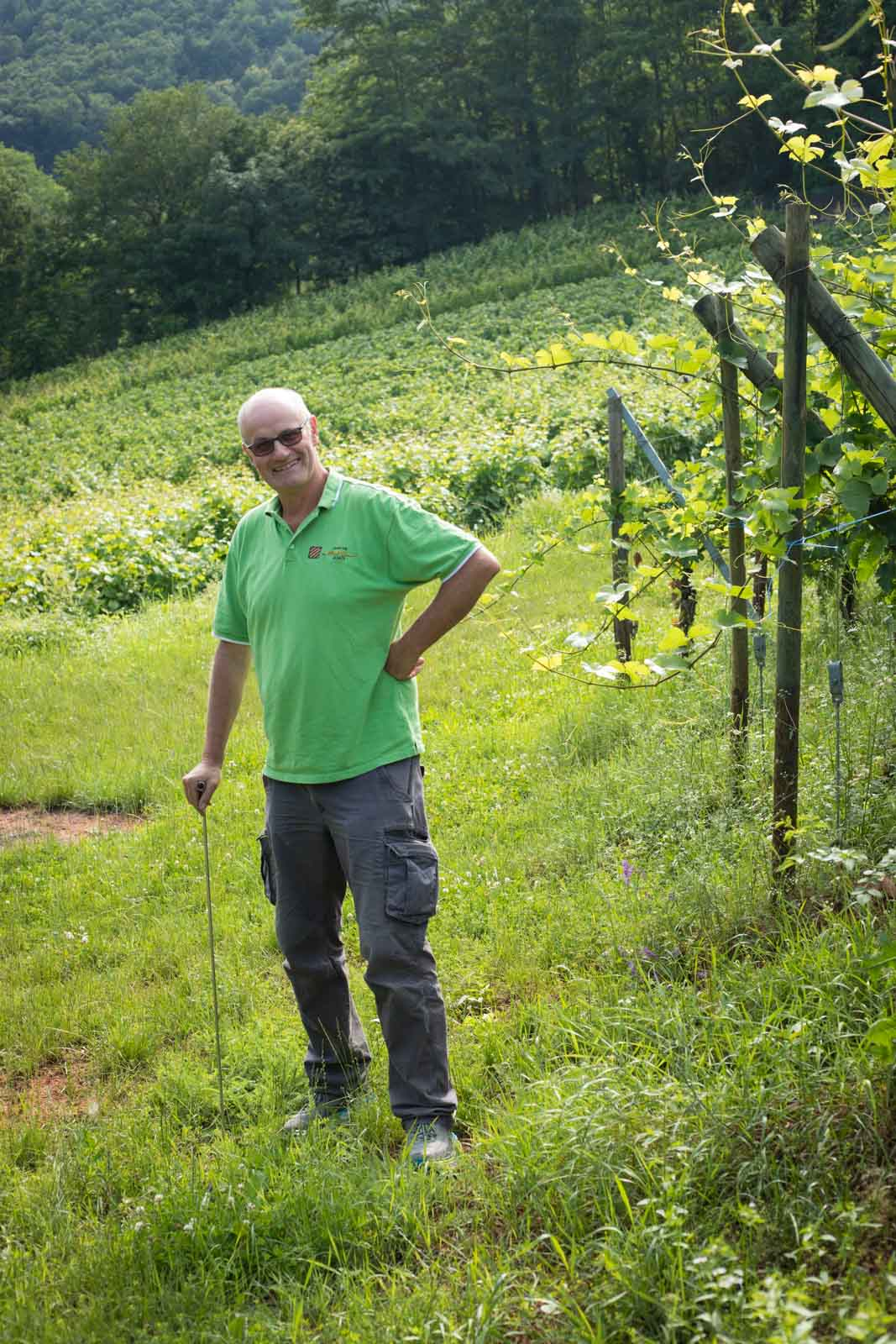 Maurice Barthelmé in the lush vineyards of Wettolsheim, Alsace. ©Kevin Day/Opening a Bottle