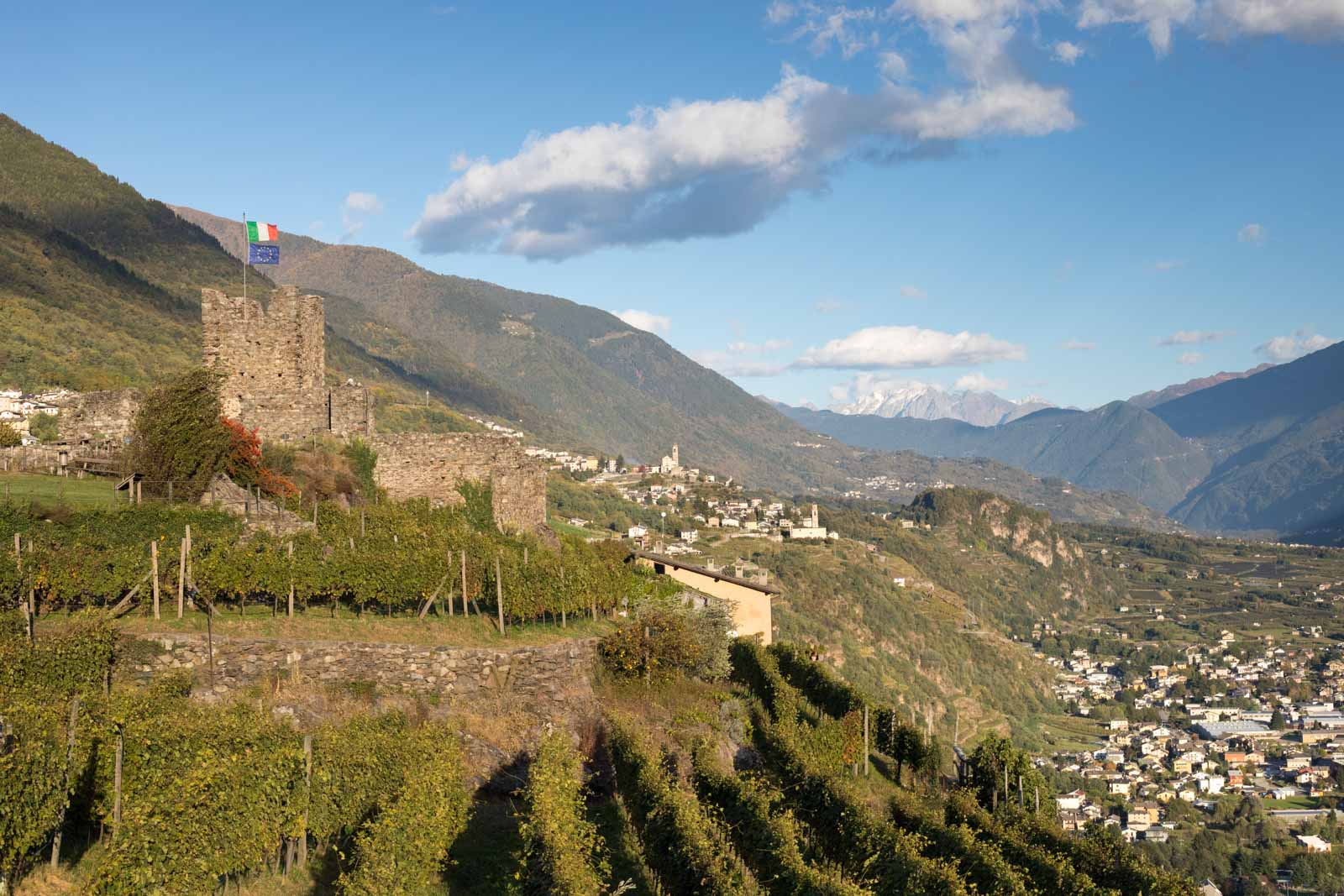 The Grumello castle and views up the Adda River Valley in the heart of Valtellina. ©Kevin Day/Opening a Bottle