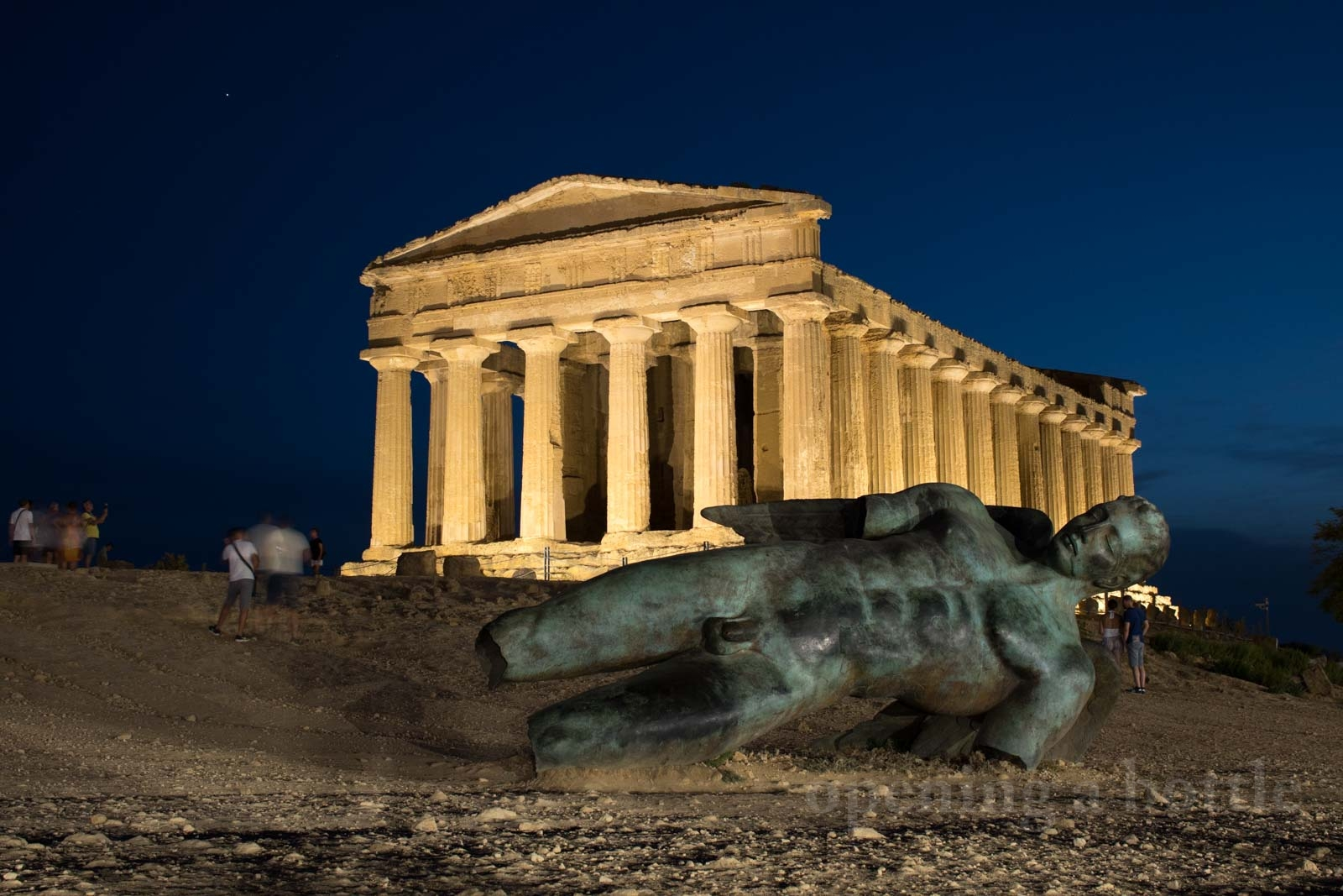 The magnificent Temple of Concordia anchors a row of spectacular archaeological sites in Agrigento. ©Kevin Day/Opening a Bottle