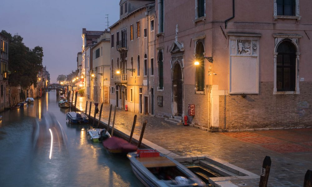 The Cannaregio neighborhood of Venice. ©Kevin Day/Opening a Bottle