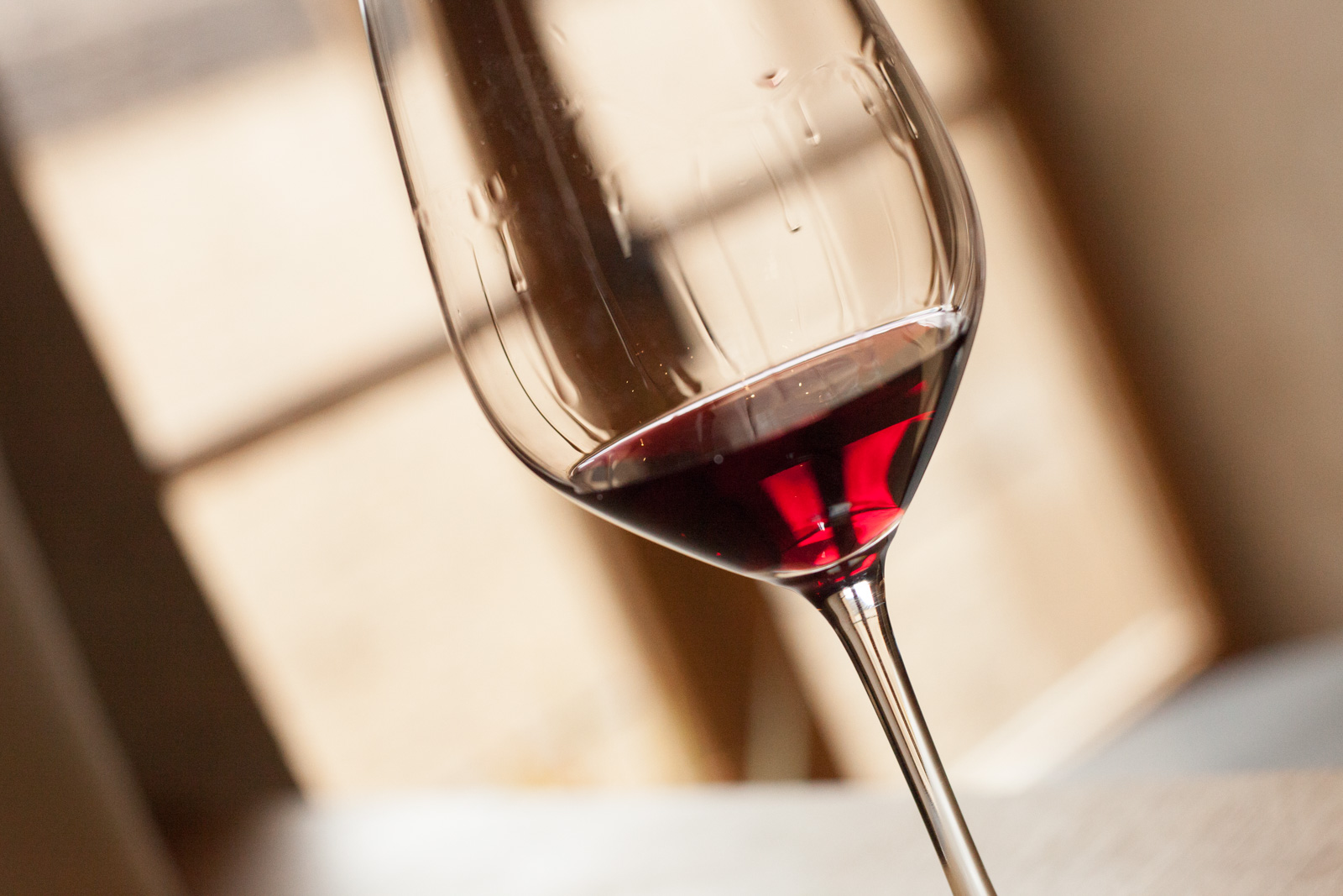 Pinot noir in the glass. ©Kevin Day/Opening a Bottle
